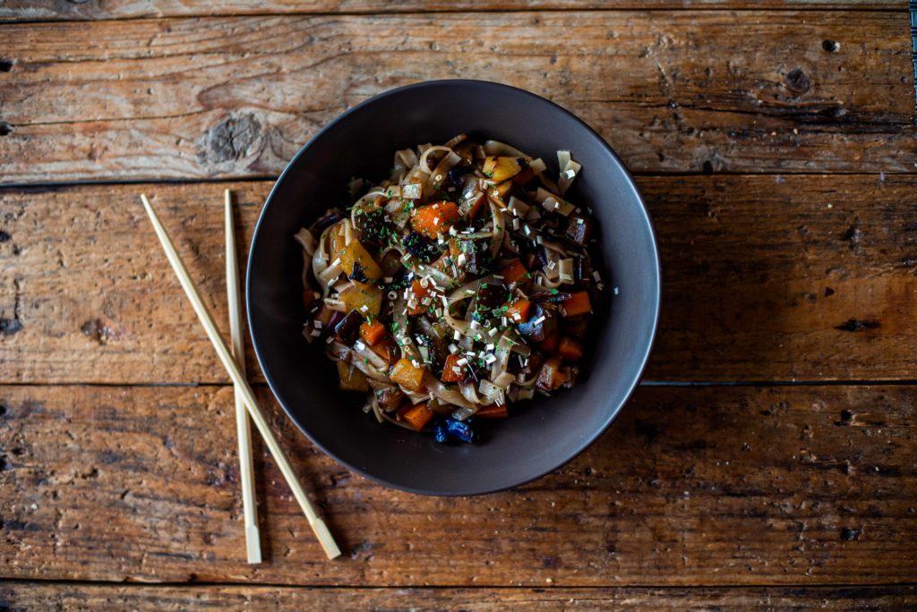 recette vegan nouilles de riz et légumes